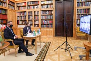 Wideokonferencja z udziałem Prezydenta RP ze związkowcami reprezentującymi duże sieci handlowe
